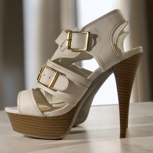 Mossimo White Chunky Strap Gold Buckle Tan Heels